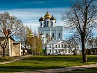 Pskov_kremlin_inside_pr